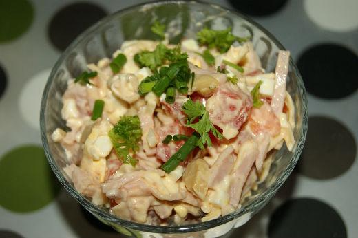 salat-iz-gribov-vetchiny-i-pomidorov