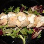 Рулет из куриного филе с креветками